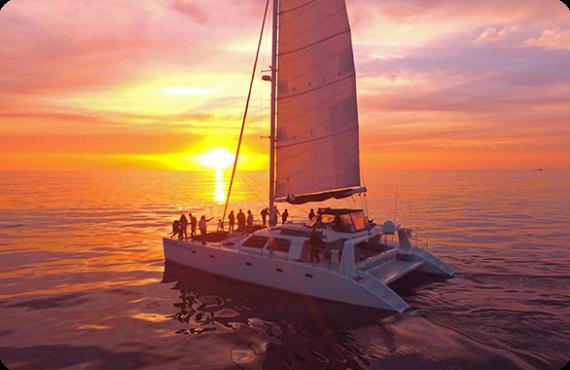Madurot travel_romantic boat trip_Expiriences_Expiriences