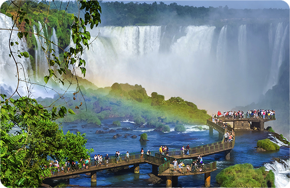 Discover other special countries with Maduro Travel.